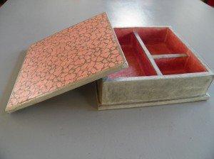 les coffrets à bijoux ou simples boîtes... pc230001-300x224